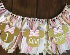 Pink and gold minnie mouse themed high chair skirt and small banner Minnie Mouse Birthday Theme, Mickey Mouse Cupcakes, Girl Birthday Themes, Birthday Ideas, Mickey Cakes, Mouse Cake, Birthday Parties, Minnie Mouse High Chair, Minnie Mouse Pink