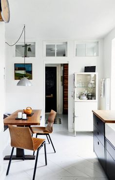 Small kitchen and dining Rooms Ideas, Gravity Home, My Ideal Home, Home Bedroom, Interiores Design, Kitchen Interior, Kitchen Dining, Dining Table, Interior Inspiration