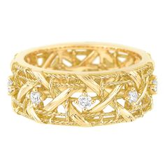 Ring in 18K yellow gold and diamonds. www.dior.com