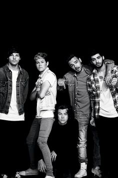 Find images and videos about one direction, niall horan and louis tomlinson on We Heart It - the app to get lost in what you love. One Direction Lyrics, One Direction Memes, Grupo One Direction, One Direction Fotos, Four One Direction, One Direction Lockscreen, One Direction Wallpaper, One Direction Pictures, 5sos Lyrics