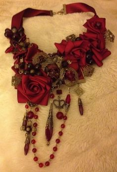"""""""Queen of Roses Steampunk Necklace"""" Exquisite. dated, mixed, steampunk, or… Collar Steampunk, Viktorianischer Steampunk, Steampunk Wedding, Steampunk Necklace, Steampunk Fashion, Gothic Fashion, Steampunk Belle, Steampunk Clothing, Emo Fashion"""