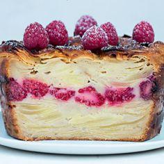 On a flashé sur ce gâteau et surtout sur son petit nom trop mignon, vous en conviendrez. Ne vous inquiétez pas, il ne disparaît dès qu'on l'approche... Surprenant, fondant et aérien, découvrez les petits secrets du gâteau invisible grâce à notre experte Christelle Huet-Gomez.