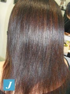 Spotted... in salone! Il #castano è tra i #colori più diffusi di #capelli. Tra le moltissime sfumature, una delle più #trendy è color #cioccolato, intensa e dolce... by Degradè Joelle! #cdj #degradejoelle #tagliopuntearia #degradé #igers #naturalshades #hair #hairstyle #haircolour #haircut #longhair #style #hairfashion #matera #matera2019 #materainside #sassimatera #zerodifettistudioacconciatori