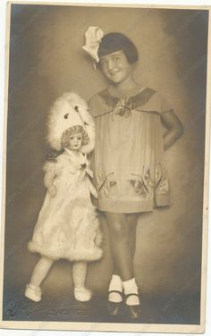 KID GIRL CHILD with ANTIQUE BIG DOLL vintage old photo original