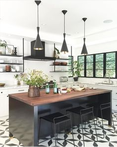 Black And White Kitchen Tile Kitchen Cocinas Cocina Americana Kitchen Interior, New Kitchen, Kitchen Dining, Kitchen White, Kitchen Wood, Kitchen Modern, Kitchen Backsplash, Kitchen Faucets, Kitchen Island Bar Stools