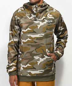 If you want lightweight performance, then the Neff Hero Shredder Camo Softshell Snowboard Jacket is exactly what you're looking for. Combined water resistance and breathability offers high performance, while a water repellent polyester shell offer Softshell, Hand Warmers, Snowboard, Military Jacket, Camo, Hoodies, Sweaters, How To Wear, Jackets
