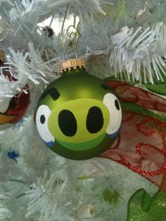 Angry birds ornament - Chase would LOVE to make these!