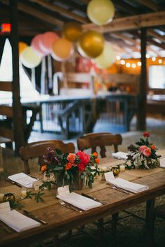 BEAUTIFUL idea for a rustic/country themed wedding. Camp Wedding, Luxe Wedding, Wedding Reception Decorations, Wedding Beauty, Wedding Table, Table Decorations, Rustic Italian Wedding, Multicultural Wedding, Georgia Wedding