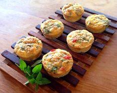 Veja como fazer muffins salgados com 3 recheios diferentes.