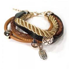 Lederarmband mit goldenen charms http://www.armband-dealer.de/shop/lederarmband/leder-und-elementarmband-minusch-zandooka/