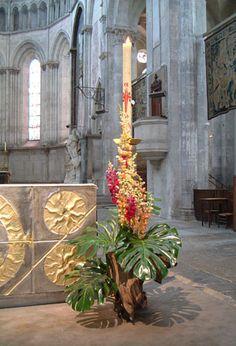 http://www.liturgiecatholique.fr/local/cache-vignettes/L300xH441/Fleurir_pentecote_2-56770.jpgからの画像