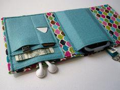 Nerd Herder gadget wallet in Meringue Kisses for iPod, Android, iPhone, MP3, digital camera, smartphone, guitar picks