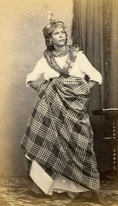 Femme Martiniquaise Debout Madras Martinique Bourgeoise Old Photo 19'