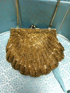 Vintage Gold Beaded Shell Purse.
