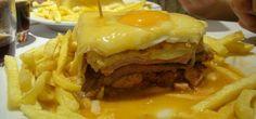 A Francesinha é um dos pratos típicos mais conhecidos da cidade do Porto (Portugal). Veja como preparar com esta receita de francesinha rápida à moda do Porto.