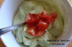salsa de aguacate y yogur natural. Ingredientes, preparación, conservación y tabla de calorías con hidratos, proteínas y...
