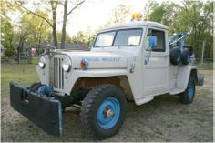 Old 1948 Willys tow truck Small Trucks, Old Trucks, Jeep Pickup, Pickup Trucks, Jeep Brute, Brush Truck, Utility Truck, Vintage Jeep, Old Jeep