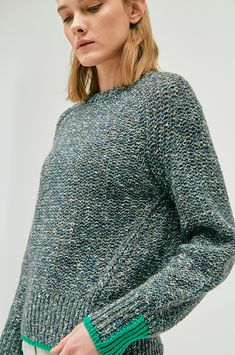 Color line glittered knit sweater