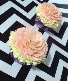Flower cupcakes. #Cupcake #Vanilla #Caramel #Buttercream #Flower #PopCake #Popcaketizate