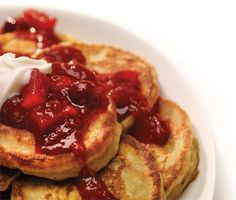 Gluten-Free Pancakes with Berry Compote. A homemade fruit compote dresses them up for a special occasion, or just maple syrup will do the trick. Gluten Free Pancakes, Tasty Pancakes, Breakfast Pancakes, Anna Olson, Berry Compote, Fruit Compote, Gluten Free Cooking, Gluten Free Recipes, Breakfast Buffet