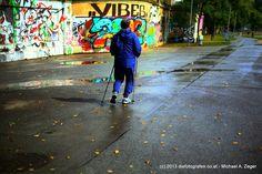"""Wiener Fotomarathon 2013 - Thema """"genervt"""". Den Nerv der Wiener Innenstadt entdeckt man am besten gehend ;-) Marathon, Sidewalk, Pictures, Marathons, Side Walkway, Walkway, Walkways, Pavement"""