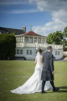 Natural Wedding Photography by Amilight Images   Seamill Hydro