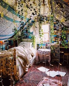 Perfect Idea Room Decoration Get to know it - Schlafzimmer Ideen Boho - Bedroom Ideas Dream Rooms, Dream Bedroom, Master Bedroom, Cozy Bedroom, Gypsy Bedroom, Bedroom Bed, 70s Bedroom, Indie Bedroom, Tapestry Bedroom