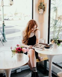 Danielle Victoria Perry by: Richer Poorer Danielle Perry, Flame Hair, Danielle Victoria, It Ends With Us, Colleen Hoover, Lily Evans, Strawberry Blonde, Beautiful Redhead, Pale Skin