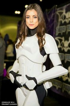 Star Wars Female stormtrooper - when planning my future female stormtrooper cosplay this is the shape armour I want, it looks feminine without any of that exact boob shape armour, which looks rubbish Star Wars Party, Star Wars Mädchen, Star Wars Girls, Cosplay Outfits, Cosplay Girls, Cosplay Costumes, Amazing Cosplay, Best Cosplay, Cyberpunk
