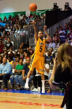 """breezyofficial: """" Chris Brown at the BET Experience Celebrity Basketball Game in Los Angeles (24.06.17) """""""