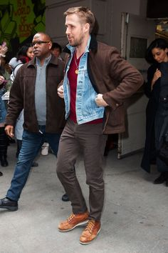 Easy (and Stylish!) Casual Outfit Ideas For Men Cool Outfits, Casual Outfits, Men Casual, Fashion Outfits, Mens Fashion, Men's Outfits, Daily Fashion, Ryan Gosling Style, Ryan Gosling Fashion