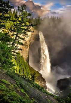 Helmcken Falls,British Columbia, Canada - Travel Pedia