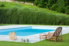 Chic in Italy: Villa Sola Cabiati (Habitually Chic) Fresco, Lake Como Villas, Lake Como Italy, Italian Lakes, Swimming Pools, Chill, Cottage, Exterior, Architecture