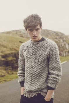 Rustic | Biscuit grey knit | Pullover | Wool | Sweater w knots | Mens |