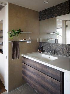 リフォームで個性的になった洗面台4選 | リノベーションスープ Washroom, Corner Bathtub, Mosaic Tiles, Vanity, House Design, Dining, Home, Style, Mosaic Pieces