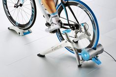 Buy your Tacx Vortex Smart Trainer - Turbo Trainers from Wiggle. Bike Rollers, Cycle Trainer, Indoor Bike Trainer, Cycling Workout, Bicycle Accessories, Cycling Outfit, Cool Bikes, Mountain Biking, Trainers