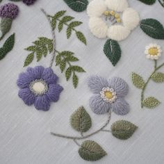Hand Embroidery Projects, Diy Embroidery, Vintage Embroidery, Cross Stitch Embroidery, Embroidery Patterns, Diy Broderie, Thread Art, Handmade Flowers, Handicraft