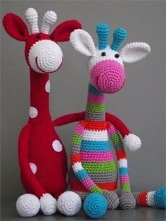 I wish I was ambitious enough to do amigurumi crochet!amigurumi giraffes - these guys are amazing!amigurumi giraffes - love doing amigurumi. so much fun and SO cute!Janja croche: A AmigurumiI feel like making some more amigurumi. Crochet Giraffe Pattern, Crochet Animal Patterns, Stuffed Animal Patterns, Crochet Animals, Knitting Patterns, Knitted Toys Patterns, Crochet Stuffed Animals, Knitting Toys, Baby Knitting