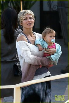 Elsa Pataky takes her daughter India to lunch on May 26, 2013