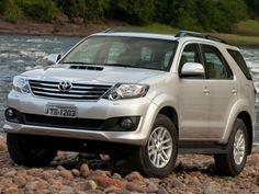 Toyota SW4: Entre 30 e 60 anos os carros devem ser espaçosos para comportar a família