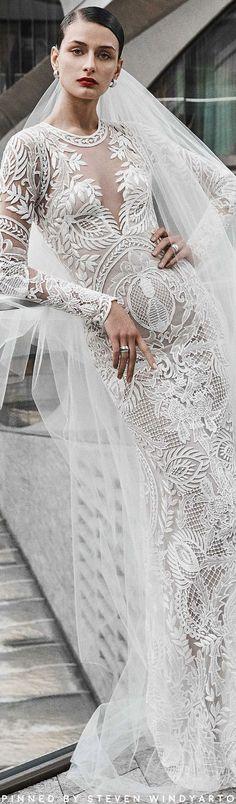 Naeem Khan Bridal Fall 2019 Fashion Show - Welt der Hochzeit Wedding Attire, Wedding Bride, Wedding Dresses, Wedding Events, Naeem Khan Bridal, Beautiful Wedding Gowns, Perfect Wedding, Bridal Elegance, Elegant Bride