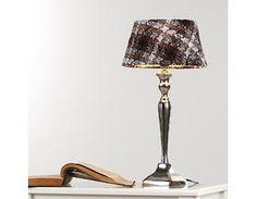 Tischleuchte mit Fuß in Chrom und braun-weißen Leinen-Schirm