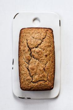 Bread Snacks Recipe, Banana Bread Recipes, Dessert Recipes, Desserts, Coconut Banana Bread, Chocolate Banana Bread, Coconut Oil, Egg Free Recipes, Coconut Recipes