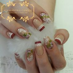 No photo description available. Christmas Nail Designs, Christmas Nail Art, Pretty Nail Designs, Nail Art Designs, Trendy Nails, Cute Nails, Dimond Nails, Hair And Nails, My Nails