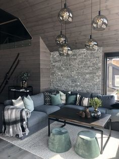 Lun hytte i Sogndal - Vyrk Ski Chalet Decor, Hampshire House, Couch, My Dream Home, Future House, Living Room Designs, Sweet Home, Interior Design, Outdoor Decor