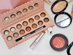 Laura Geller 4 Piece Face It All Collection - QVC Todays Special Value - Baked Blush, Spring Makeup, Dark Skin Tone, Laura Geller, Makeup For Beginners, Color Blending, Color Correction, Qvc, Eyeshadow Palette