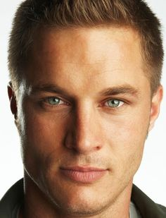 travis_fimmel-vikings-1
