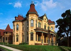 Image detail for -. House in Museum Hill Historic district in St. Victorian Style Homes, Victorian Photos, Victorian Houses, Victorian Architecture, Amazing Architecture, Architecture Details, Love Home, My Dream Home, Mansion Houses