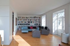 Gallery of EA House / Barbosa & Guimarães - 13