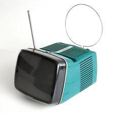 1964 年Marco Zanuso and Richard Sapper的黑白電視設計 ,還是很有太空時代的前衛感吶(MOMA- Collection)